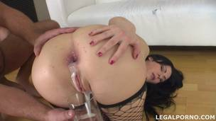 Pissing drinking Luna Oara first DAP with creampie, swallow and gapes GIO014 screenshot
