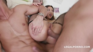 Double Addicted with Mai Thai and Kira Thorn /See description for more info/ GIO334 screenshot