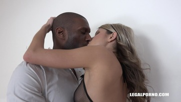 Gina Gerson comes to try three black cocks IV131 screenshot