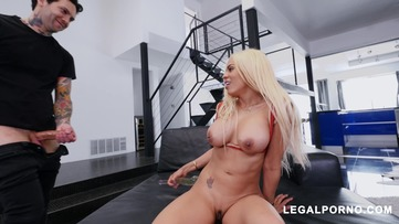 Latina Queen Luna Star Shows Us Why She's A Pornstar Vs 2 Cocks AB007 screenshot