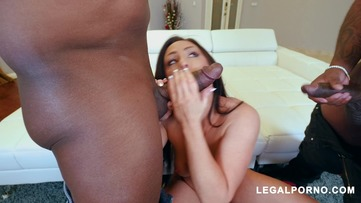 Sexy slut Jennifer White takes two big black cocks AB009 screenshot