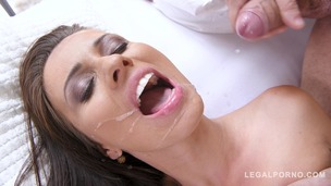 Athletic Vicky Love wants big fat dick and sucks his blue balls empty GP173 screenshot