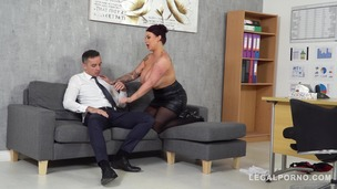 Top-heavy boss Harmony Reigns gets fucked hard by co-worker at the office GP231 screenshot