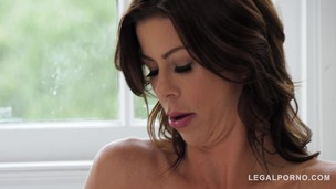 Insatiable cougar Alexis Fawx fucked on the bed to screaming orgasm GP501 screenshot