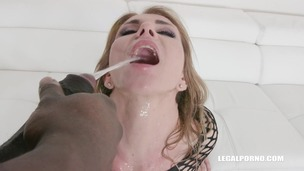 Sindy Rose is back with new pissing experience & DAP IV278 screenshot