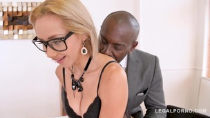 Petite secretary Veronica Leal goes for his big black cock in the office GP745 screenshot