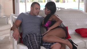 Black sex goddess Kiki Minaj fists herself & gets fucked in all possible ways GP910 screenshot