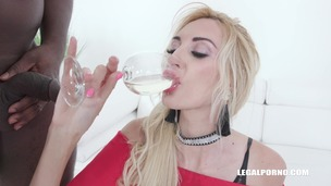 Anita Blanche comes to try african champagne IV356 screenshot