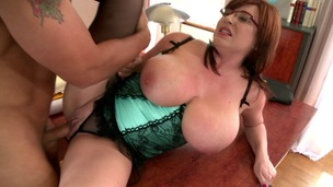 Office fuck & loads of cum across curvy secretary Sandra Boobies' big tits GP1075 screenshot