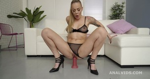 Robin's Anal Casting gets Wet, with Sonia Lion for Balls Deep Anal, Gapes and Swallow GL340 screenshot